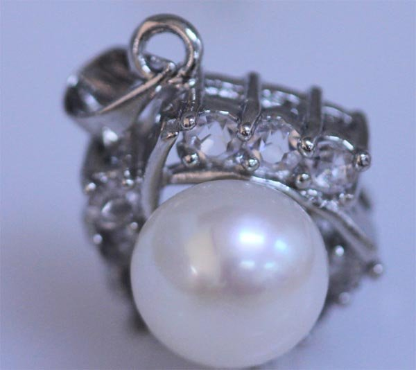WHITE PEARL AND CZ PENDANT