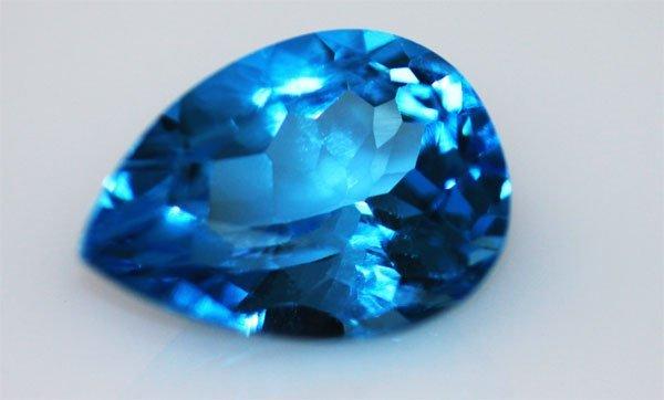 9.87 CTW BLUE TOPAZ PEARCUT 12X16MM
