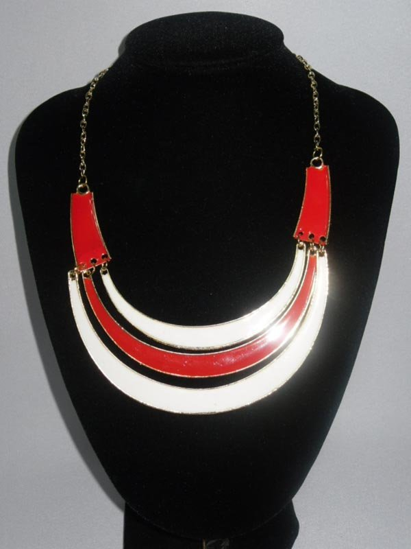 264CTW 3-LAYERED HALF MOON RED-WHITE BRASS NECKLACE;18I