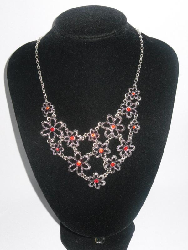 210CTW 14-FLOWERS BRASS NECKLACE;