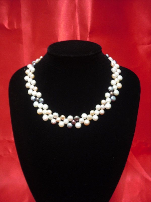 16 INCH 250CTW SIOPAO FLAT TRICOLOR PEARL NECKLACE