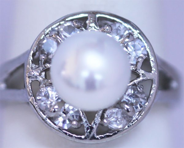 WHITE PEARL AND CZ RING