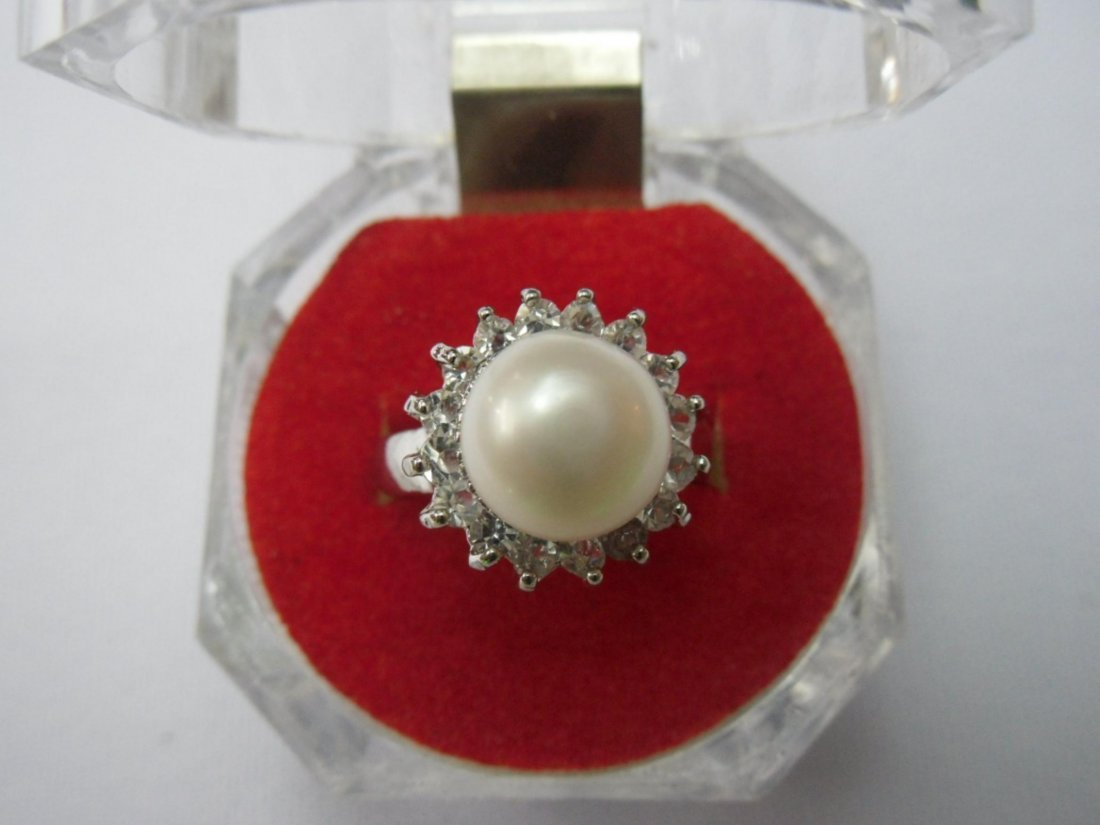 WHITE PEARL WITH CZ SILVER RING; METAL: SILVER; PHILIPP