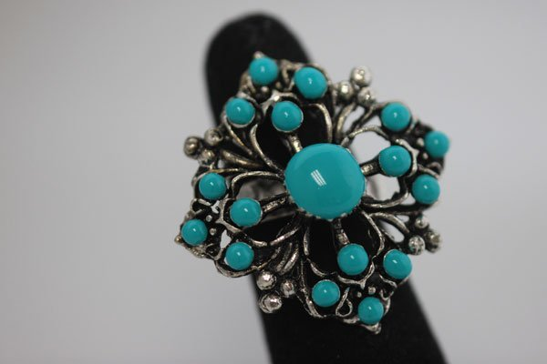 FASHION JEWELRY; SYNTHETIC TURQUOISE COLORED BRASS RING
