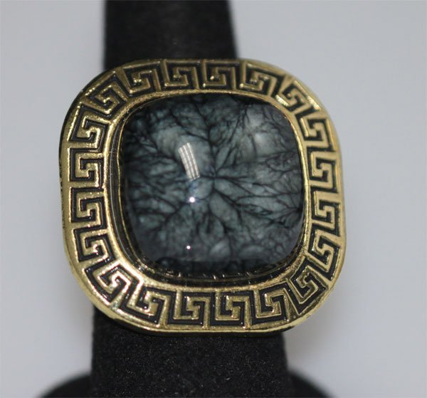 FASHION JEWELRY BRASS RING; SYNTHETIC BLACK STONE