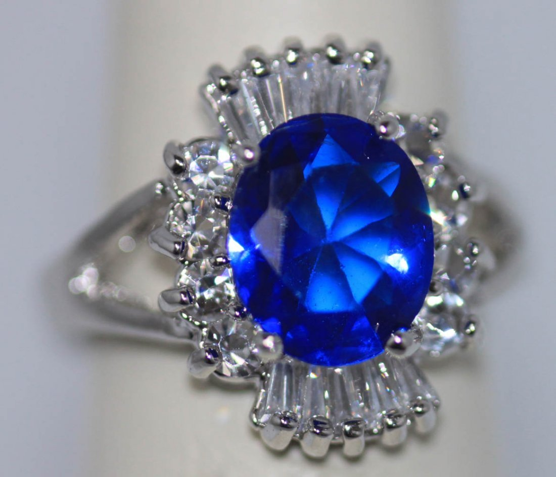 FASHION JEWELRY WHITE AND BLUE CZ RING