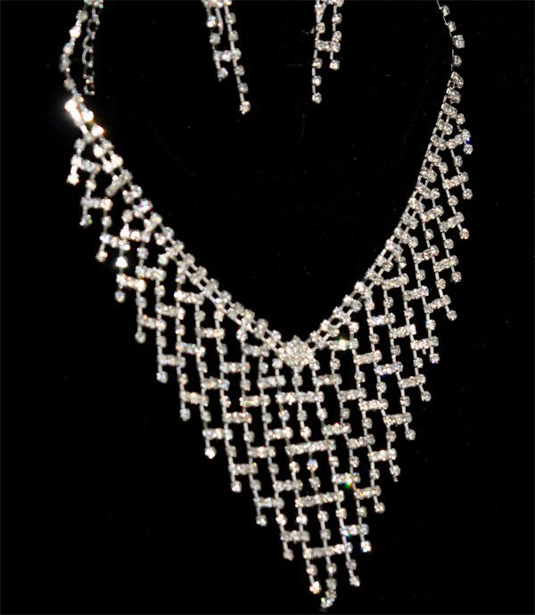 CZ FASHION JEWELRY NECKLACE AND EARRING SET