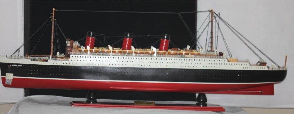 COLLECTORS EDITION HANDMADE RMS QUEENMARY SHIP MODEL