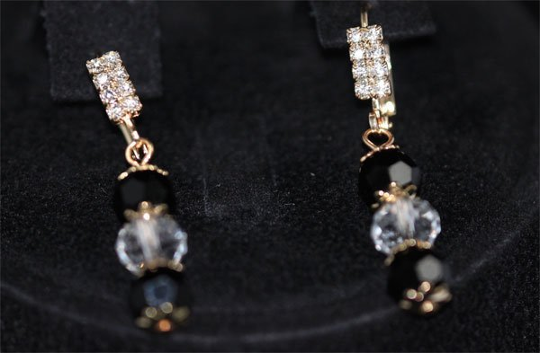 CZ 14K GOLD PLATED DANGLE EARRING