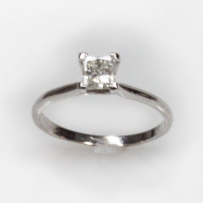 Certified 0.5 ctw Diamond Solitaire Ring G, SI-2