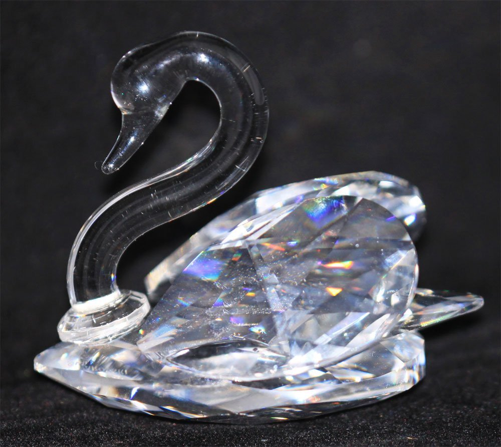 "1.5"" GENUINE SWAROVSKI CRYSTAL SWAN FIGURINE WITH WINGS"