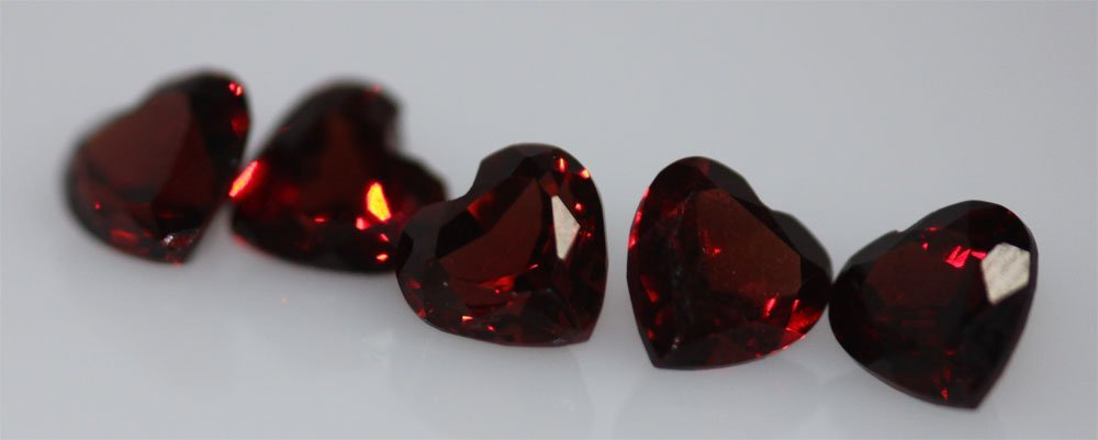 4.94 CTW GARNET HEART SHAPED 6MM (5)