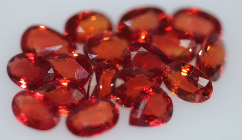 10.38 CTW RED SAPPHIRE PEAR AND OVAL SHAPED 6X4MM (12)