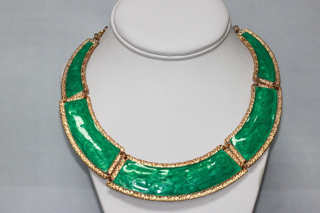 300CTW 5-SLABS GREEN BRASS NECKLACE