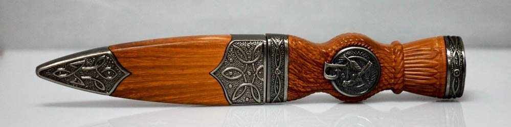 COLLECTORS EDITION CIVIL WAR STYLE WOODEN KNIFE W/SHEAT