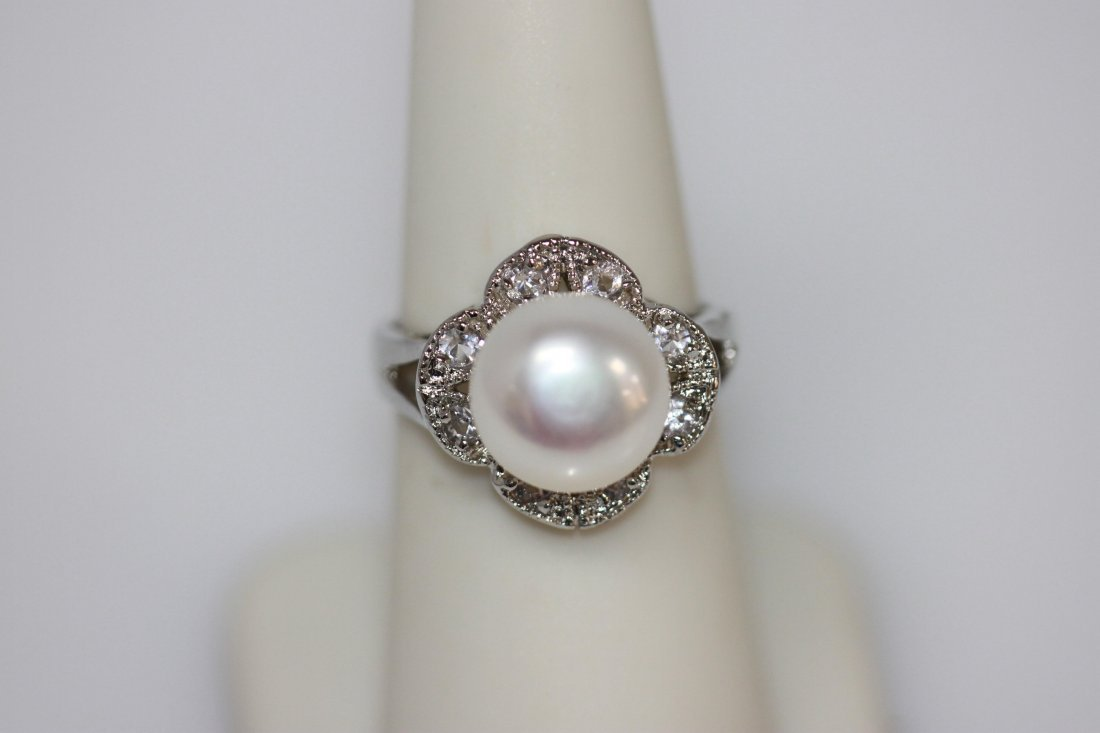 WHITE PEARL WITH 8 CZ SILVER RING METAL SILVER PHILIPPI
