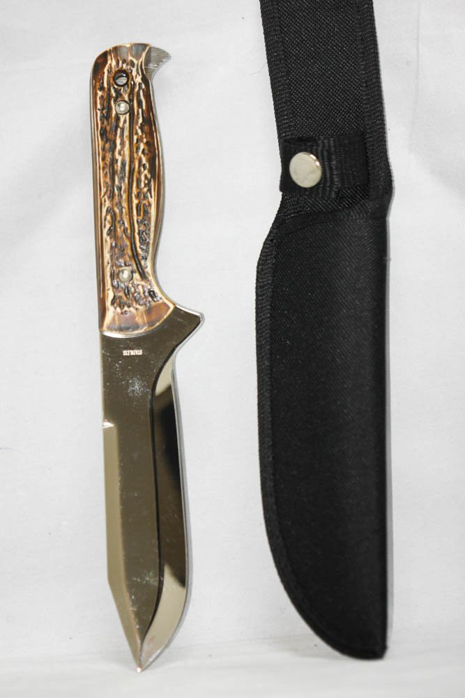 COLLECTORS EDITION CARVED STYLE HUNTING KNIFE
