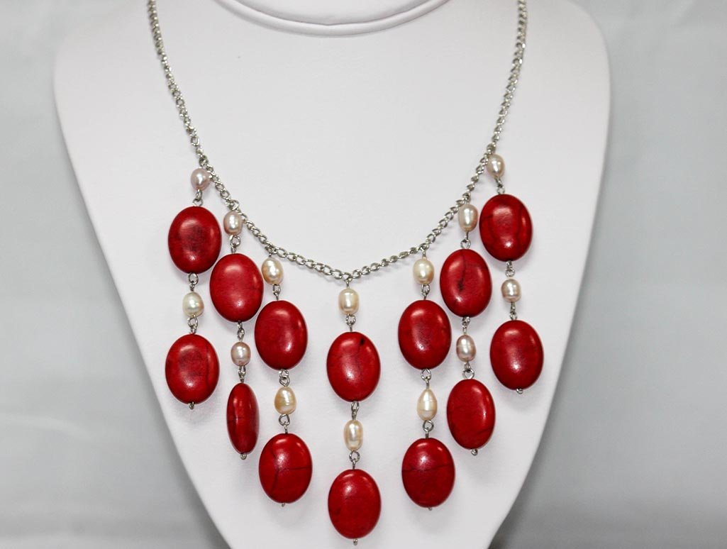 250 CTW CHANDELIER WHITE PEARL AND RED TURQUOISE