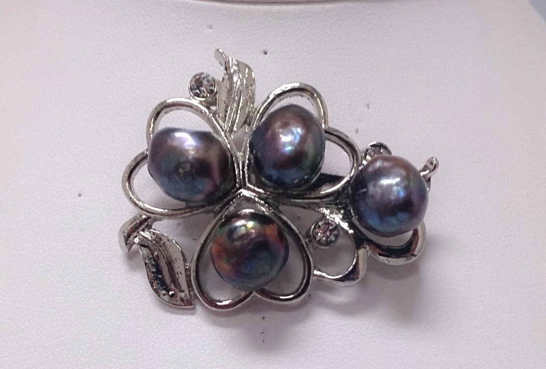 HEARTY BLACK KISHI PEARL CZ BROOCH AUTHENTIC PHILIPPINE