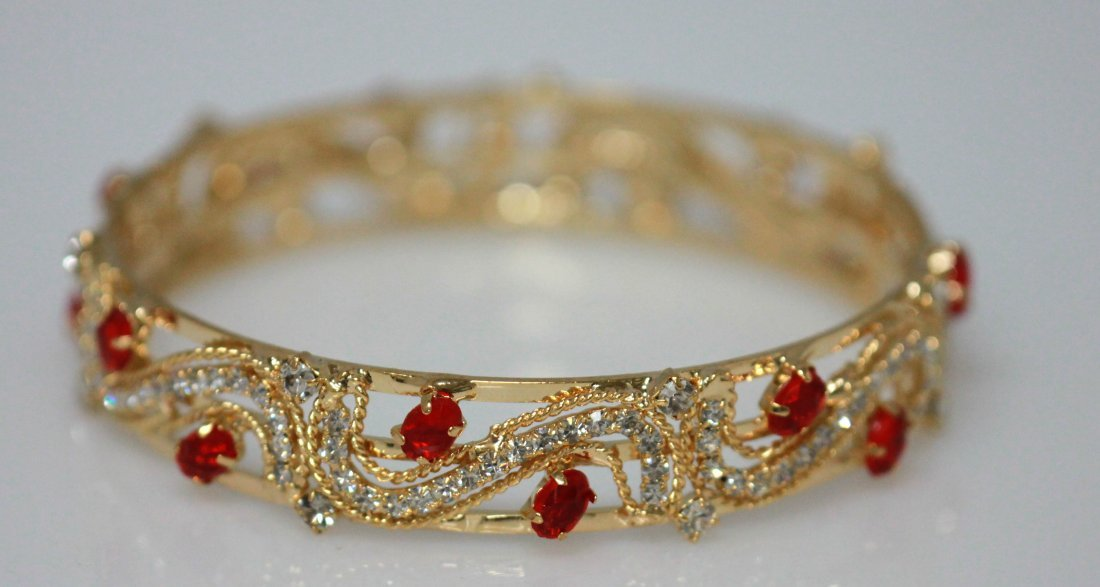 14K GOLD PLATED AND CZ BANGLE (RED)