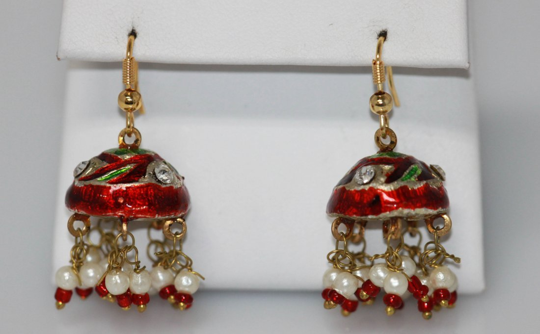 RED AND WHITE WITH GREEN CZ FASHION JEWELRY EARRINGS