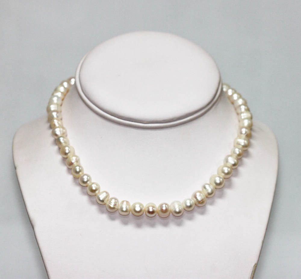 Natural White Pearl Necklace w/Silver Tone clasp