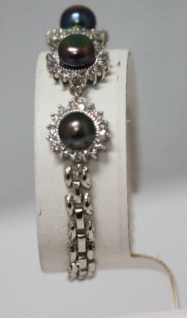 BLACK PEARL WITH CZ ROUND BRACELET .925 STERLING SILVER