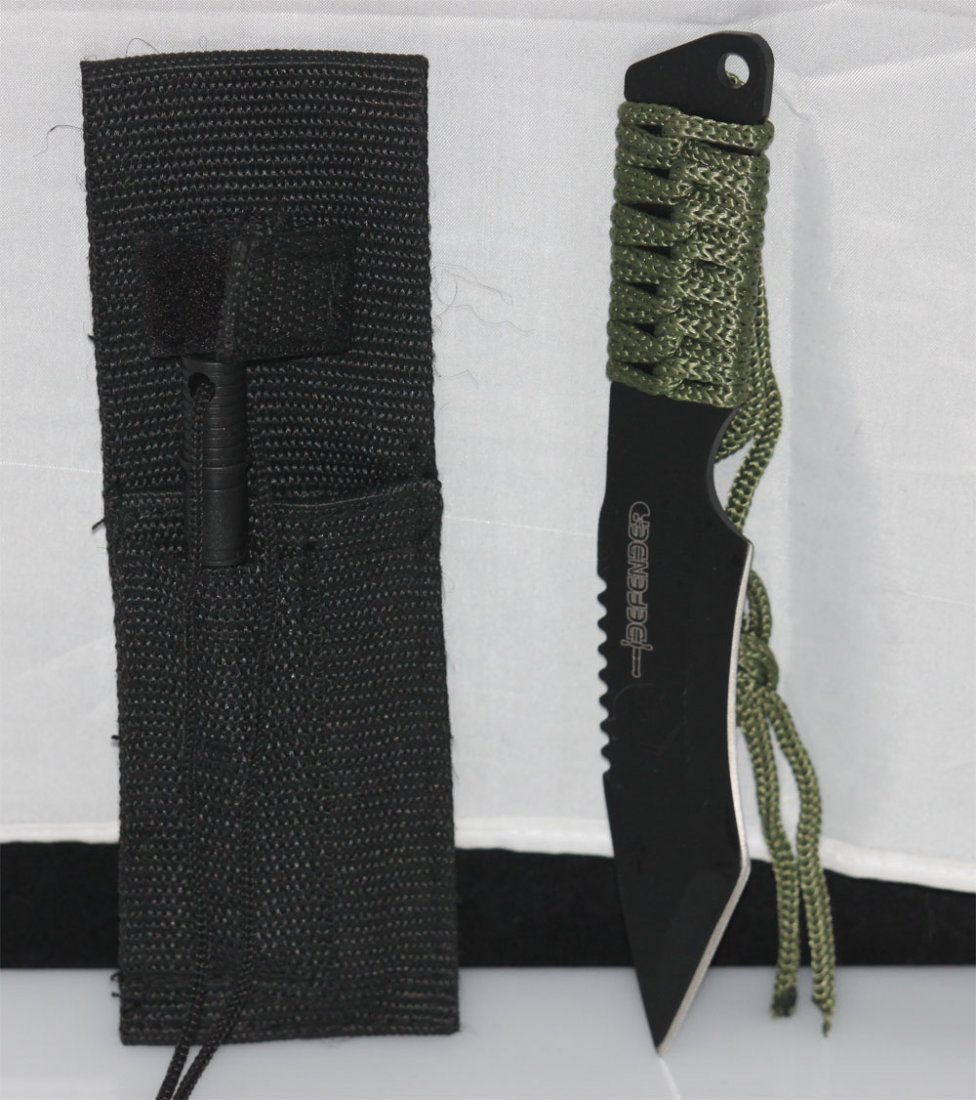 COLLECTORS EDITION CARBON STEEL BLADE HUNTING KNIFE