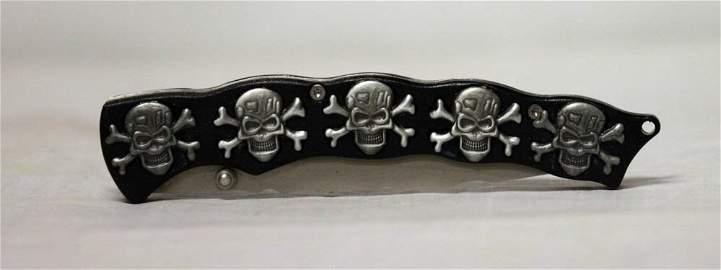 COLLECTIBLE SKULL BONES FOLDING KNIFE/ BLACK