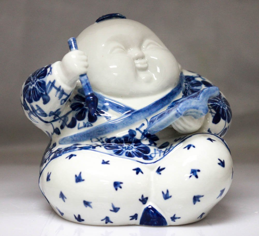 COLLECTIBLE CHINESE PORCELAIN MAN WRITING IN A BOOK