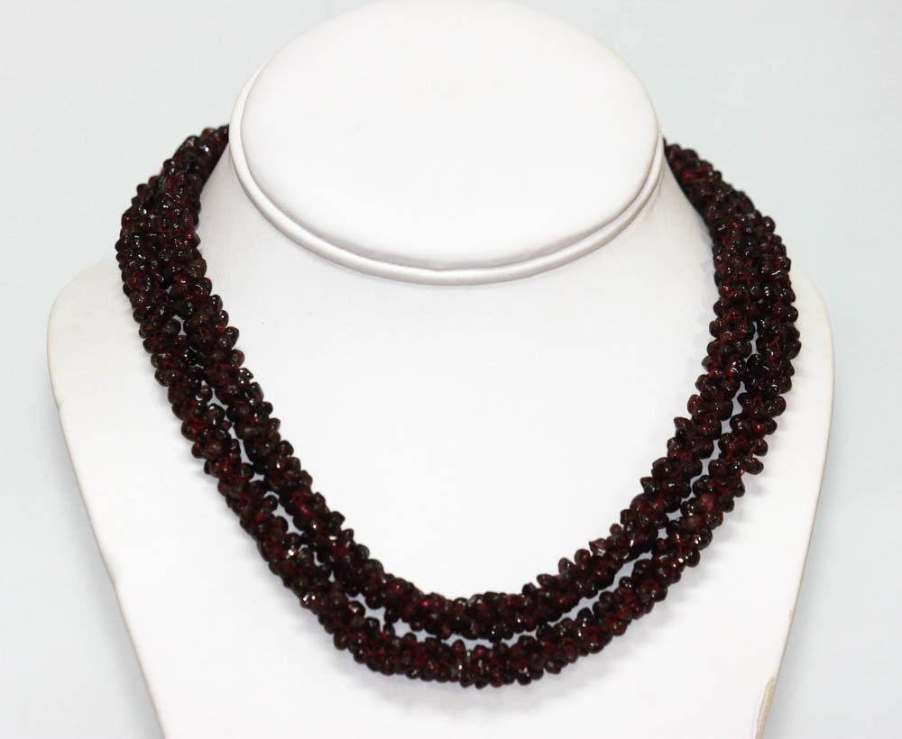 600.01 CTW Natural Un-Cut Red Gernet Necklace