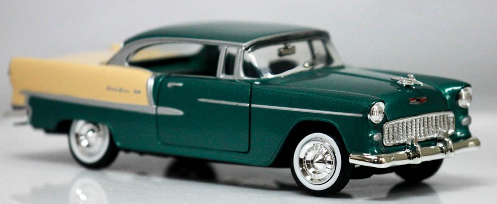 Collectors Edition 1955 Chevy Bel Air Hard Top (1/24 sc