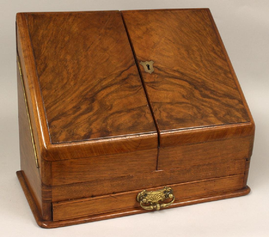 ENGLISH FIGURED WALNUT WRITING BOX