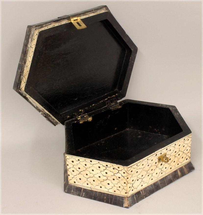 19TH C. HEXAGONAL BONE AND HORN BOX - 2