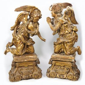 PAIR OF ITALIAN CARVED GILTWOOD ANGELS