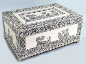 LARGE 18TH C. VIZIGAPATAM ENGRAVED IVORY BOX