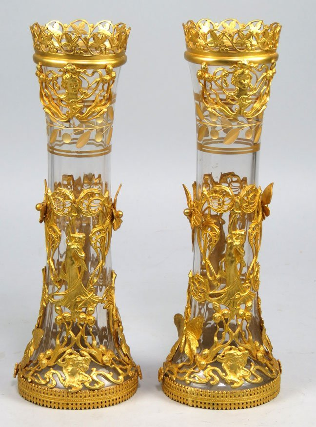 183: PAIR OF ART NOUVEAU GLASS VASES IN ORMOLU MOUNTS
