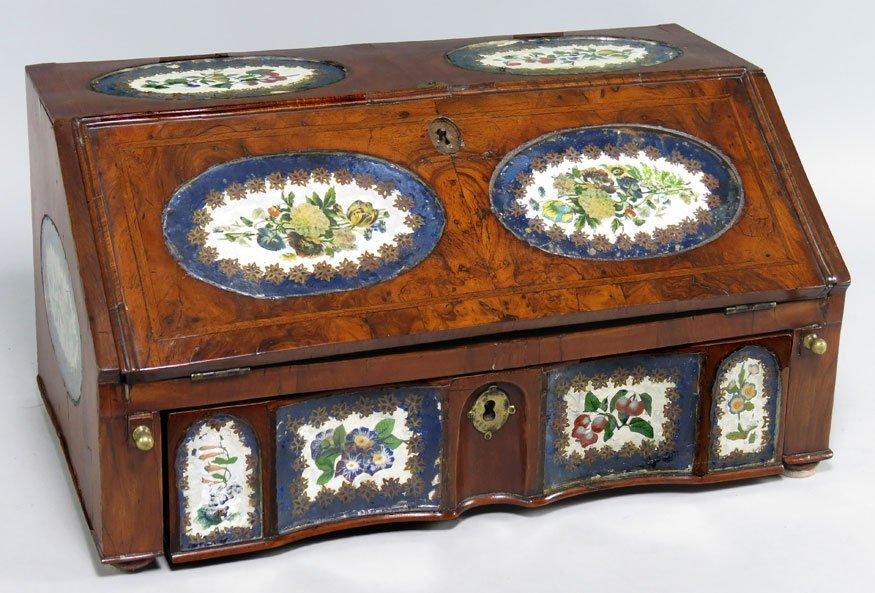 190: CONTINENTAL WALNUT-VENEERED TABLE-TOP DESK