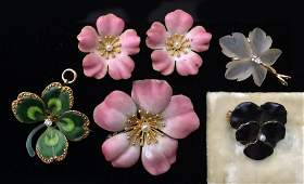 (on 5) GOLD AND ENAMEL FLORAL GROUP