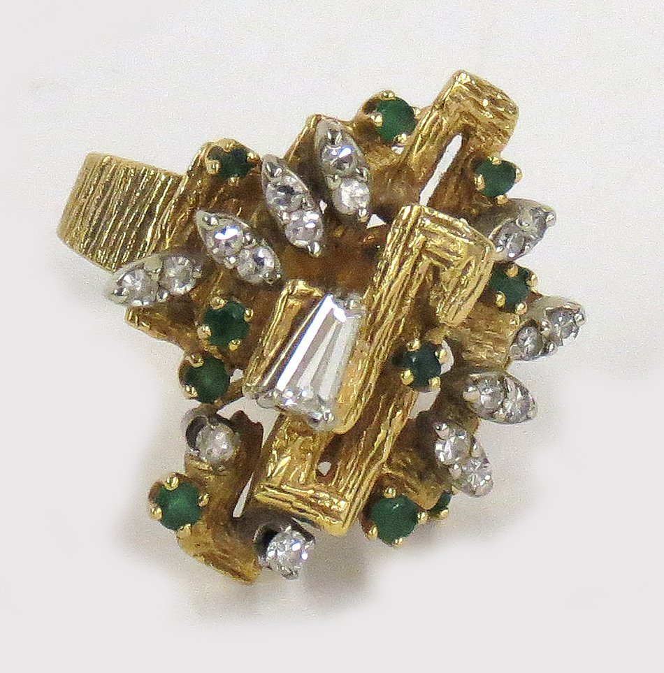 18K GOLD, DIAMOND AND EMERALD COCKTAIL RING