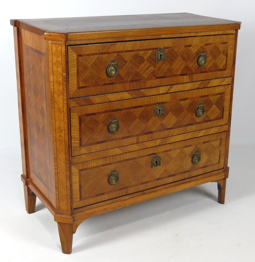 SWEDISH NEOCLASSICAL MARQUETRY COMMODE