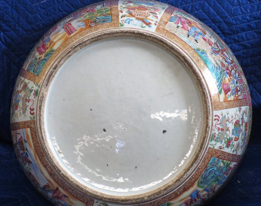 OVERSIZED CHINESE EXPORT PORCELAIN MANDARIN BOWL - 4