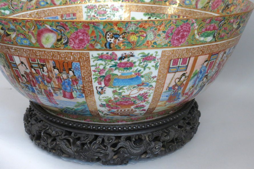 OVERSIZED CHINESE EXPORT PORCELAIN MANDARIN BOWL - 6