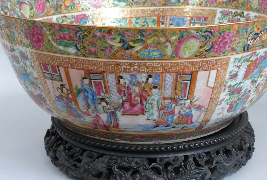 OVERSIZED CHINESE EXPORT PORCELAIN MANDARIN BOWL - 7
