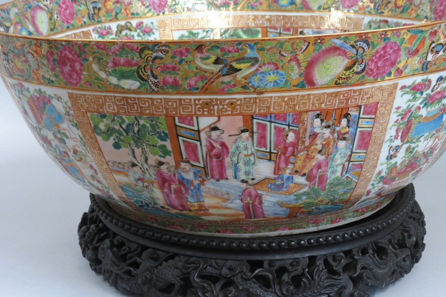 OVERSIZED CHINESE EXPORT PORCELAIN MANDARIN BOWL - 8