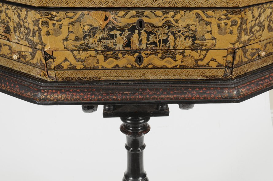 19TH C. CHINA TRADE CHINOISERIE SEWING BOX ON STAND - 3