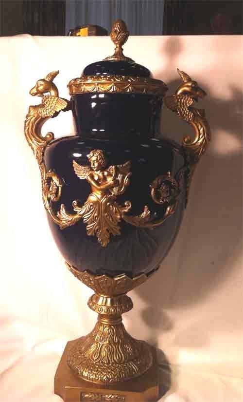 90995: Ornate Porcelain Urn