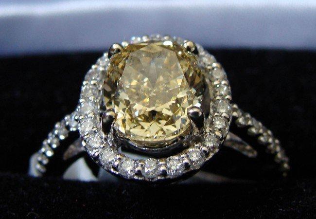 91236: 2.69ct VS1 Fancy Yellow Diamond Gold Ring w/COA