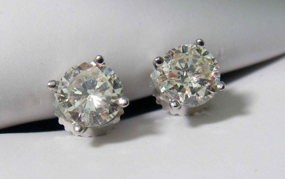3A: 1.13ct Diamonds Ladies Stud Earrings on 14KT Gold