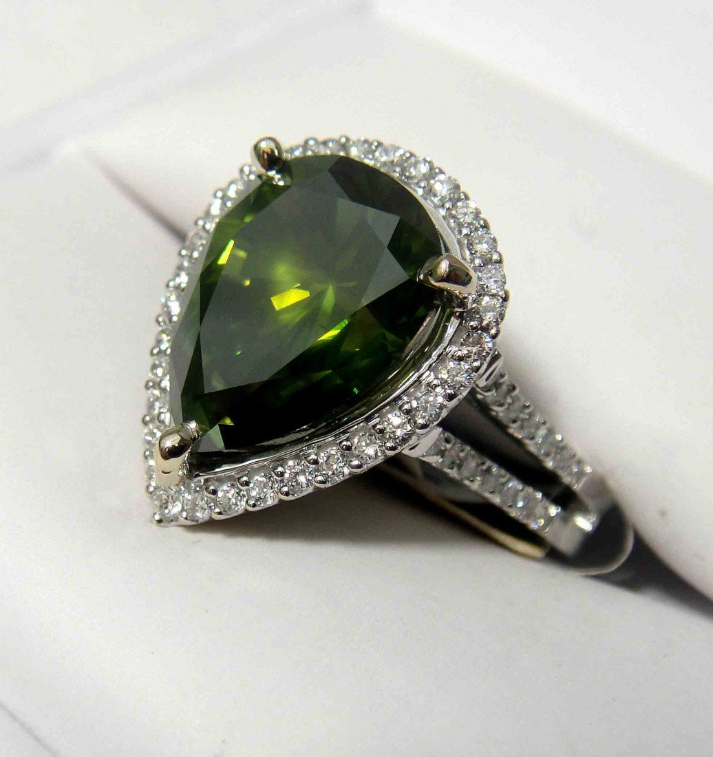 6.16ctw (5.54ct CNTR) Fancy Green Diamond 18KT Ring - 2
